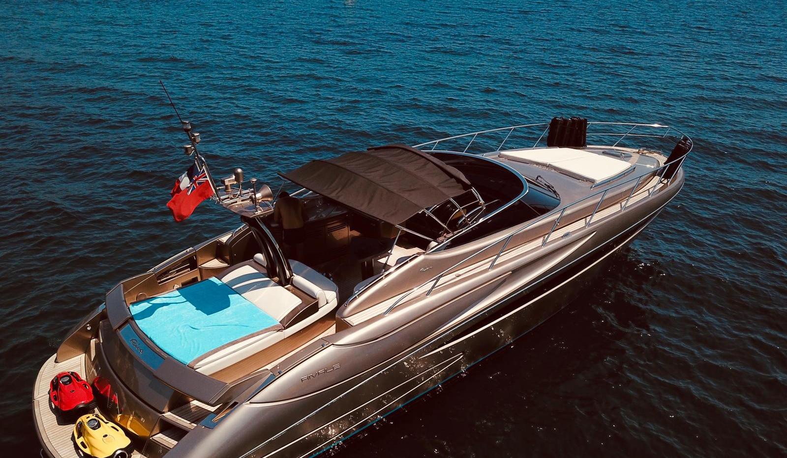 location-riva-seven-yachts.JPG