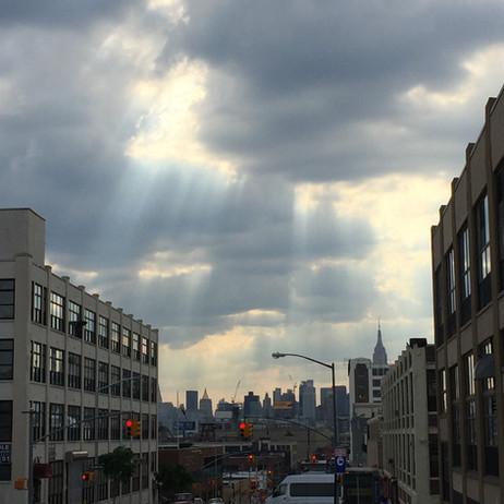 別の日。またマンハッタンに光が降ってるー
