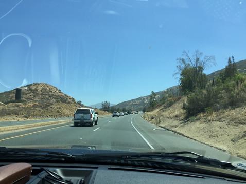 友家族と共にギューレンタカーで、サンディエゴを出発!
