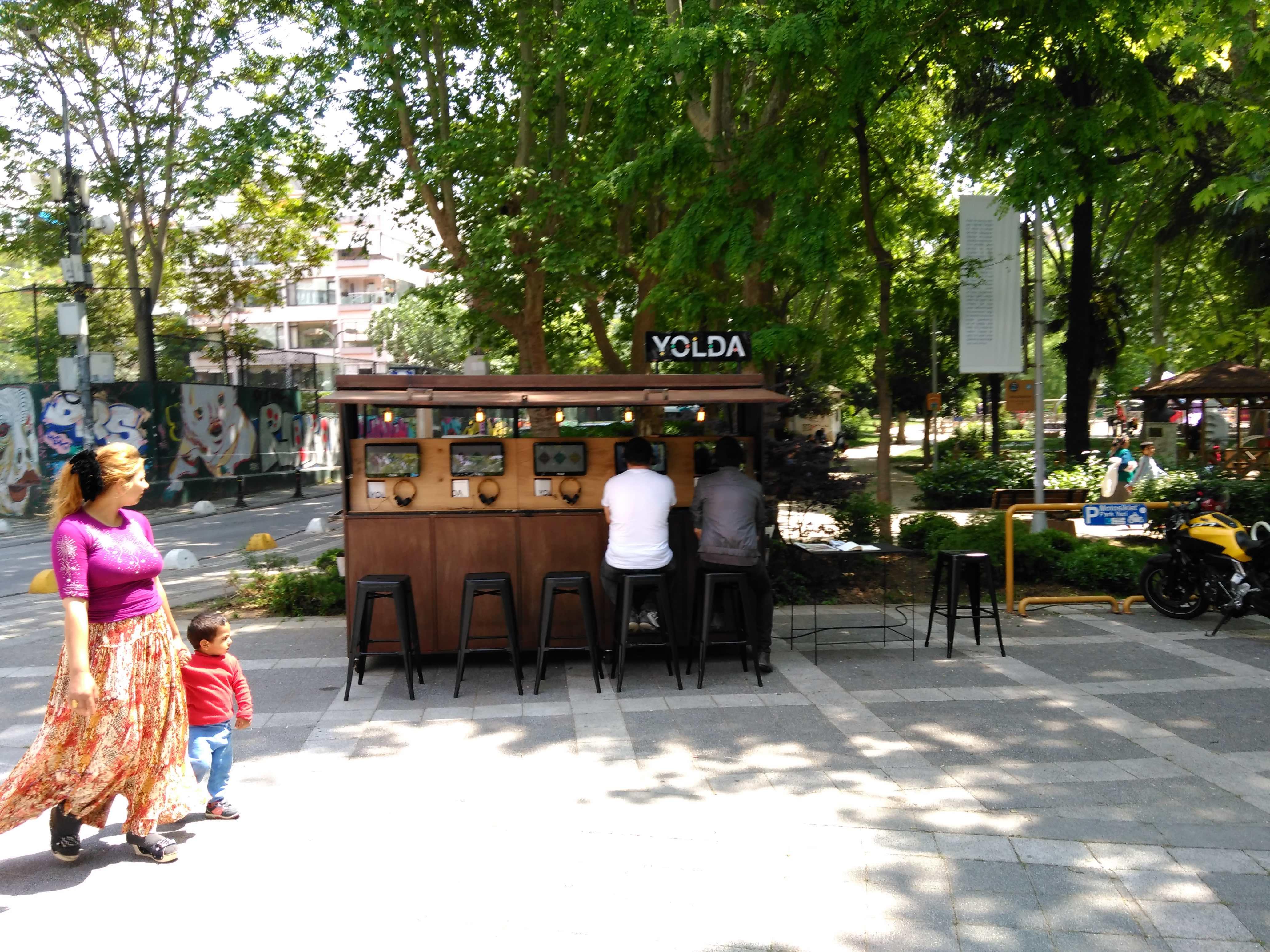 03_1016_yolda_11mayıs _moda_istanbul