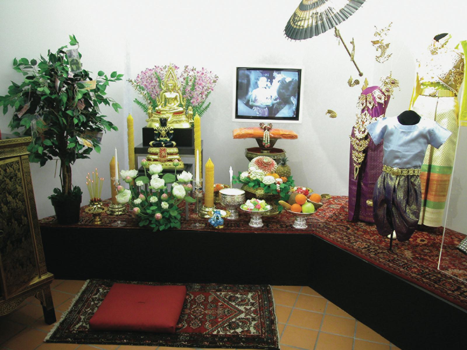 Blick in die Ausstellung: Buddhistis