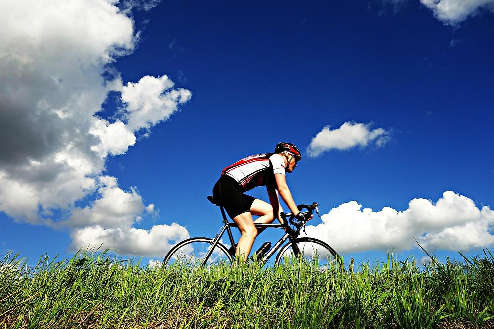 wielrenner column fietsen