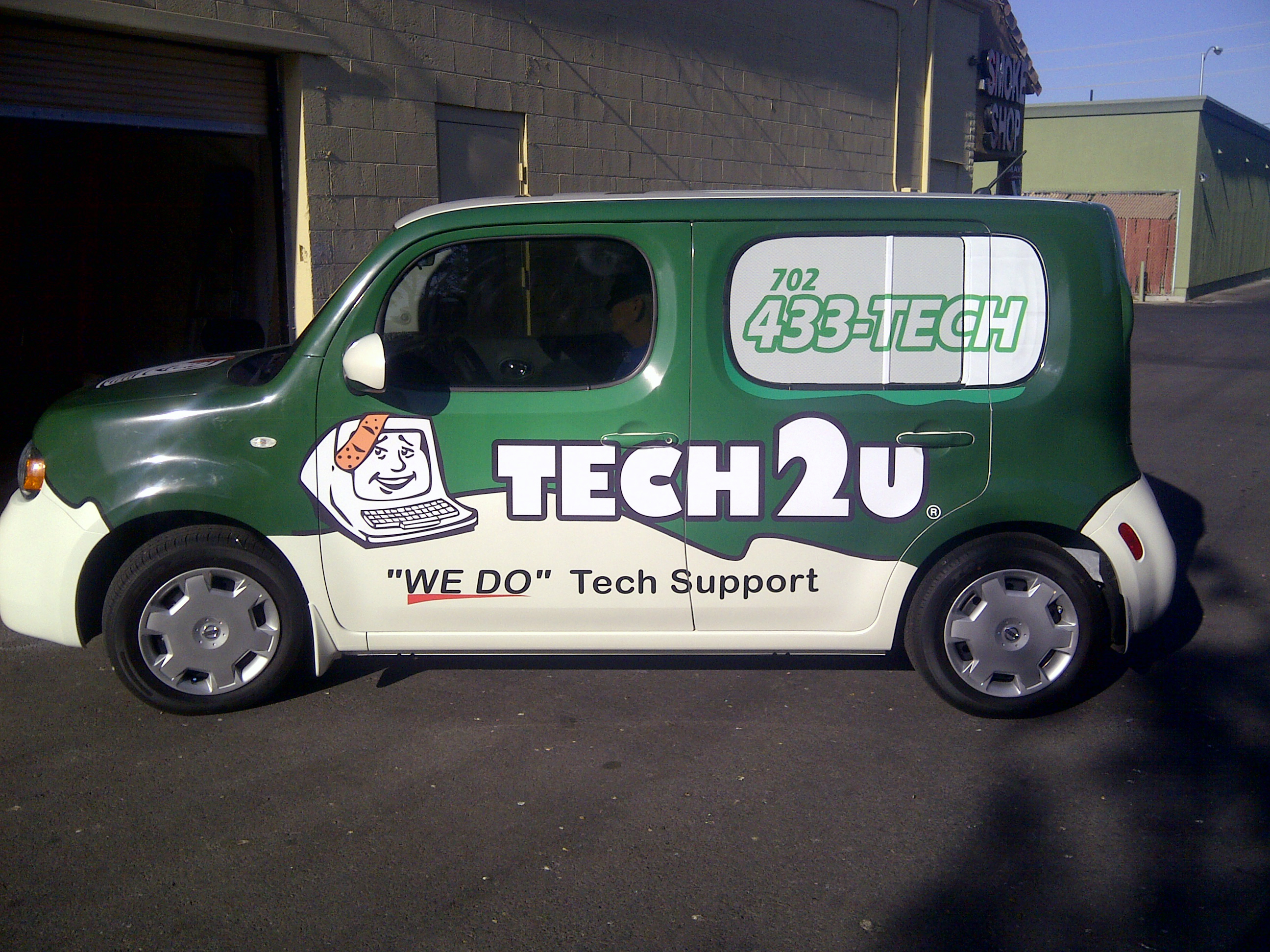Tech2u Car Wrap