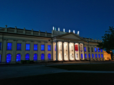 Tolle Bilder vom Finale der Beleuchtung für Huntington in 2021 am Fridericianum Kassel