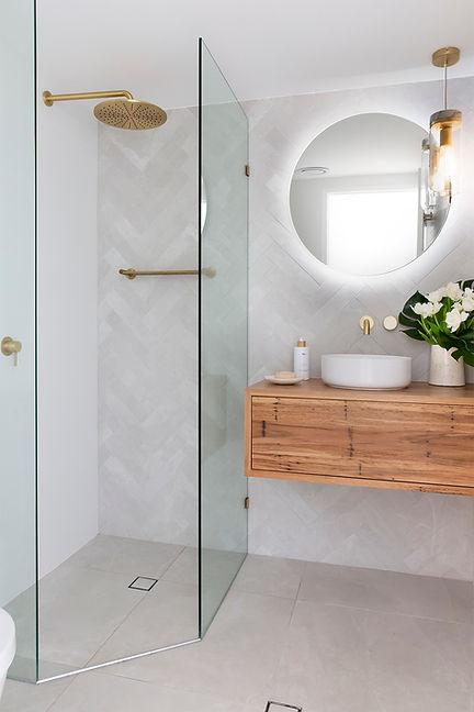 Belongil Bathroom 12 LR.jpg