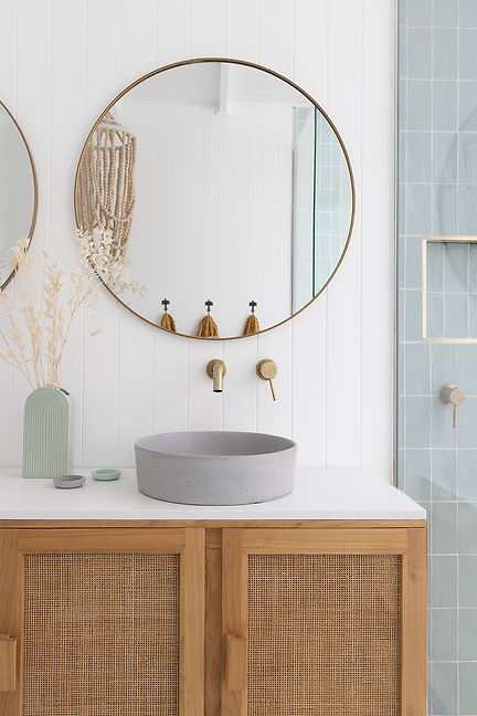 Bilinga Bathroom 2 LR.jpg