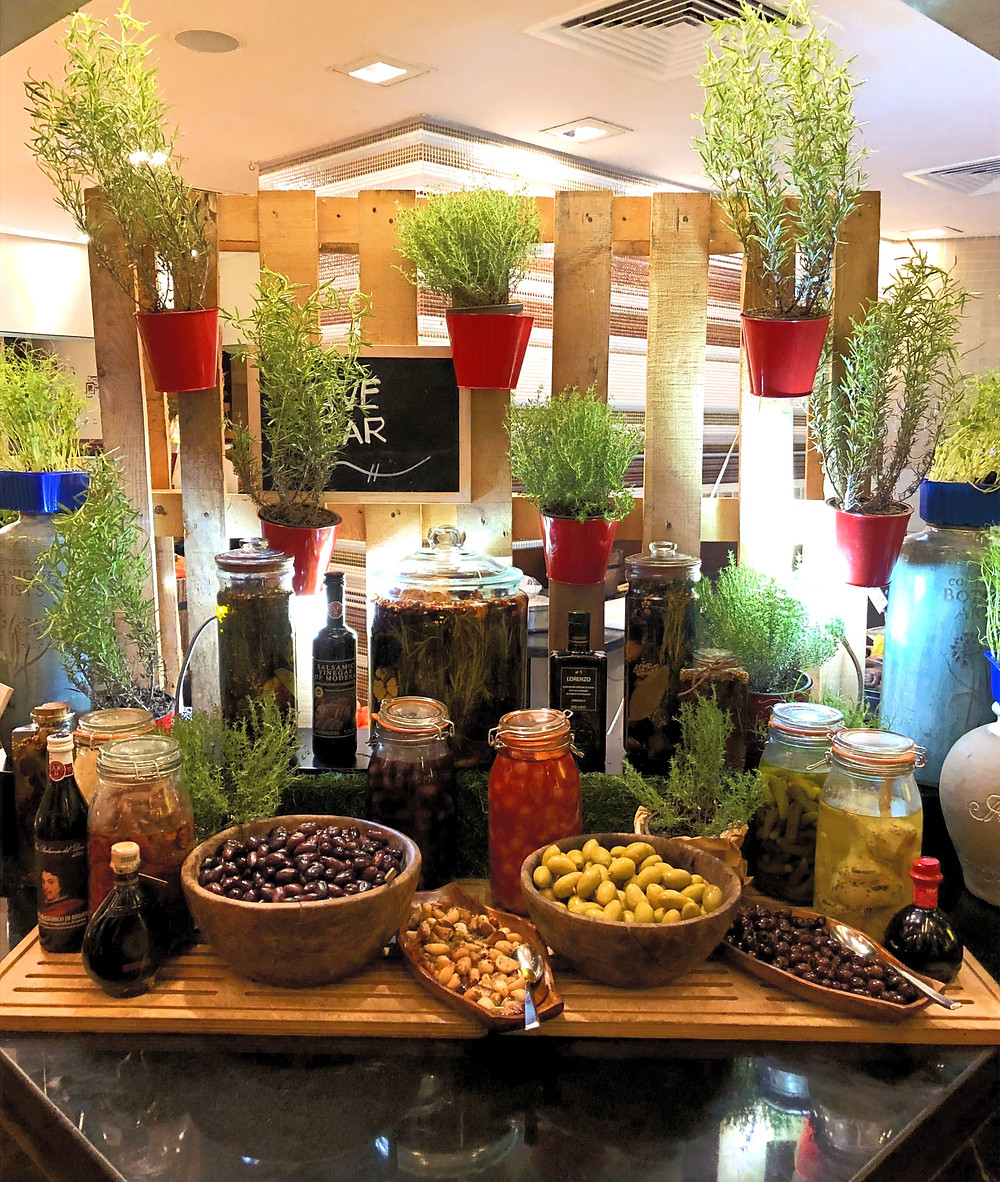 Olives & Pickles Station, Address Marina Dubai