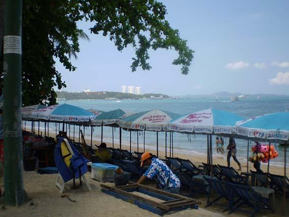La plage de Pattaya, lieu où j'écoutais les confidences de femmes prostituées