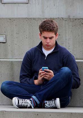 L'esclavage des réseaux sociaux à l'adolescence