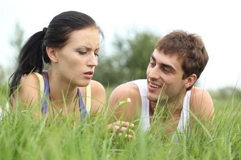 Un suivi de conseil conjugal peut vous aider à renouer le dialogue