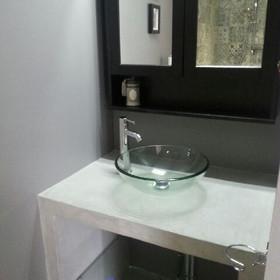 plan de vasque en béton cellulaire recouvert de béton ciré