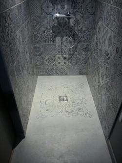 fond de douche en beton ciré