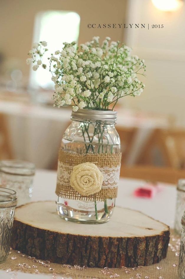 Simple, classic centerpieces