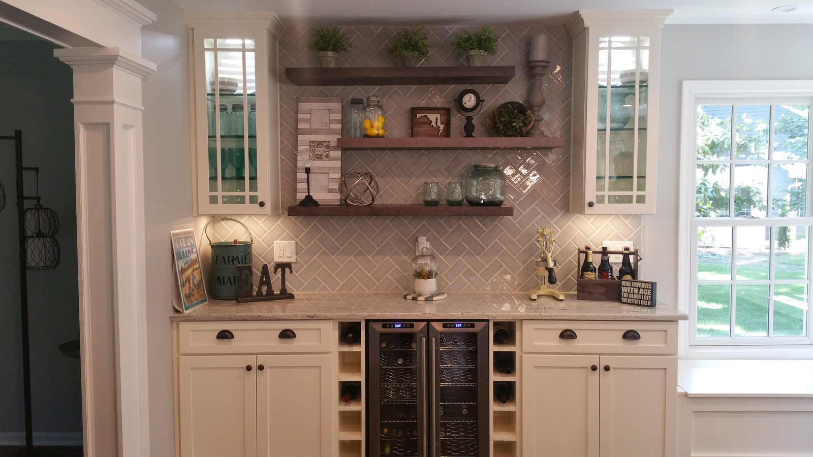 Wet Bar area away from kitchen