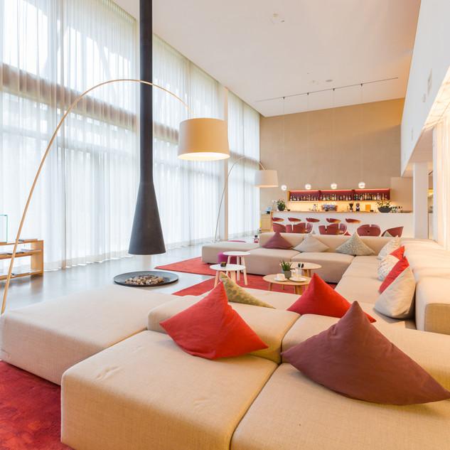 Andrea-Lobsiger-Hotel-Bora.jpg