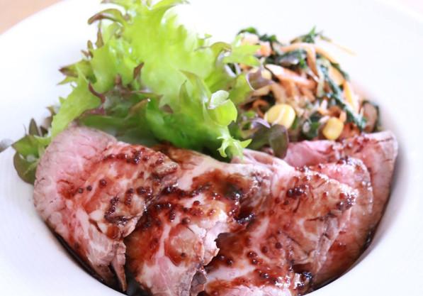 特上リブロース ローストビーフ丼