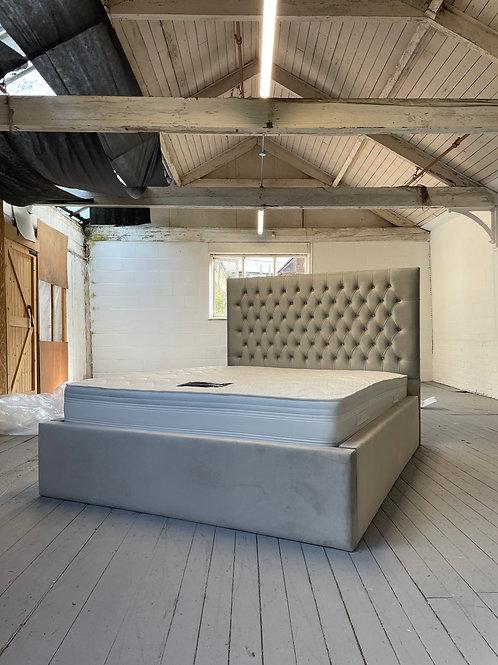 2208 - 5ft King Bed - Silver Plush Velvet