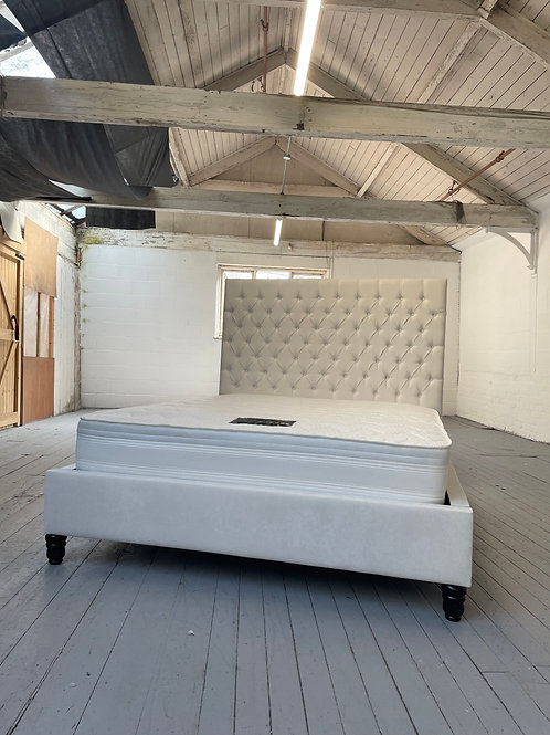 2239 - 5ft King Bed
