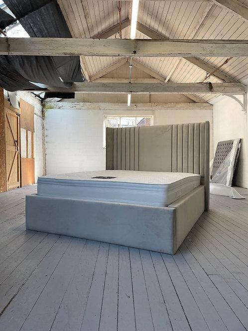 2207 - 5ft Wingback King Bed - Silver Plush Velvet