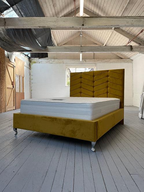 2201 - 4ft6 Double Bed - Turmeric Plush Velvet