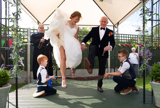 Mr & Mrs Connolly (101).jpg