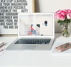 Organized%20Blogger%20Workstation_edited