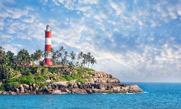 kovalam-light-house-hawa-beach.jpg