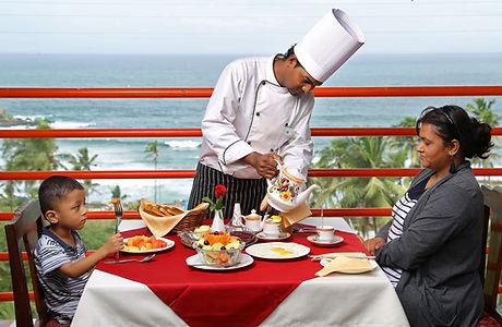 samudratheeram-resort-kovalam-rooftop-di