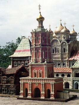 Колокольня Высоко-Петровского монастыря, г. Москва