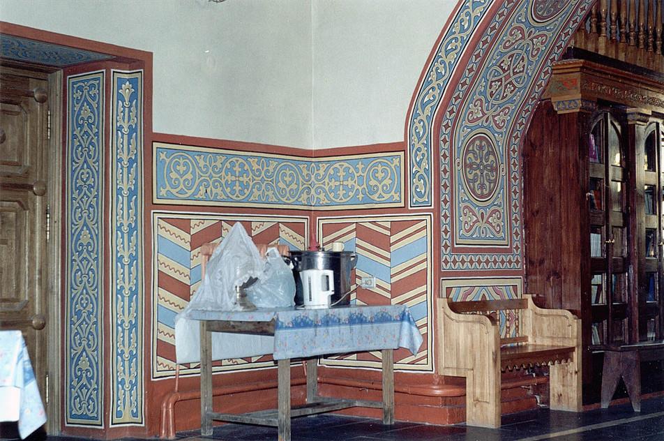 Орнаменты в трапезной части храма