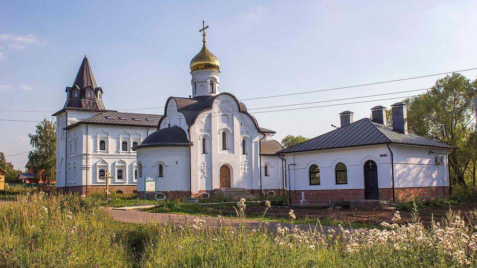 Belye_Stolby-Vsetsaritsa-2.jpg
