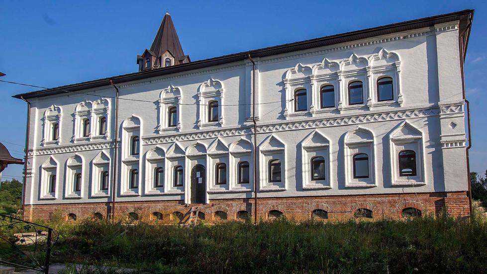 Belye_Stolby-Skola-13.jpg