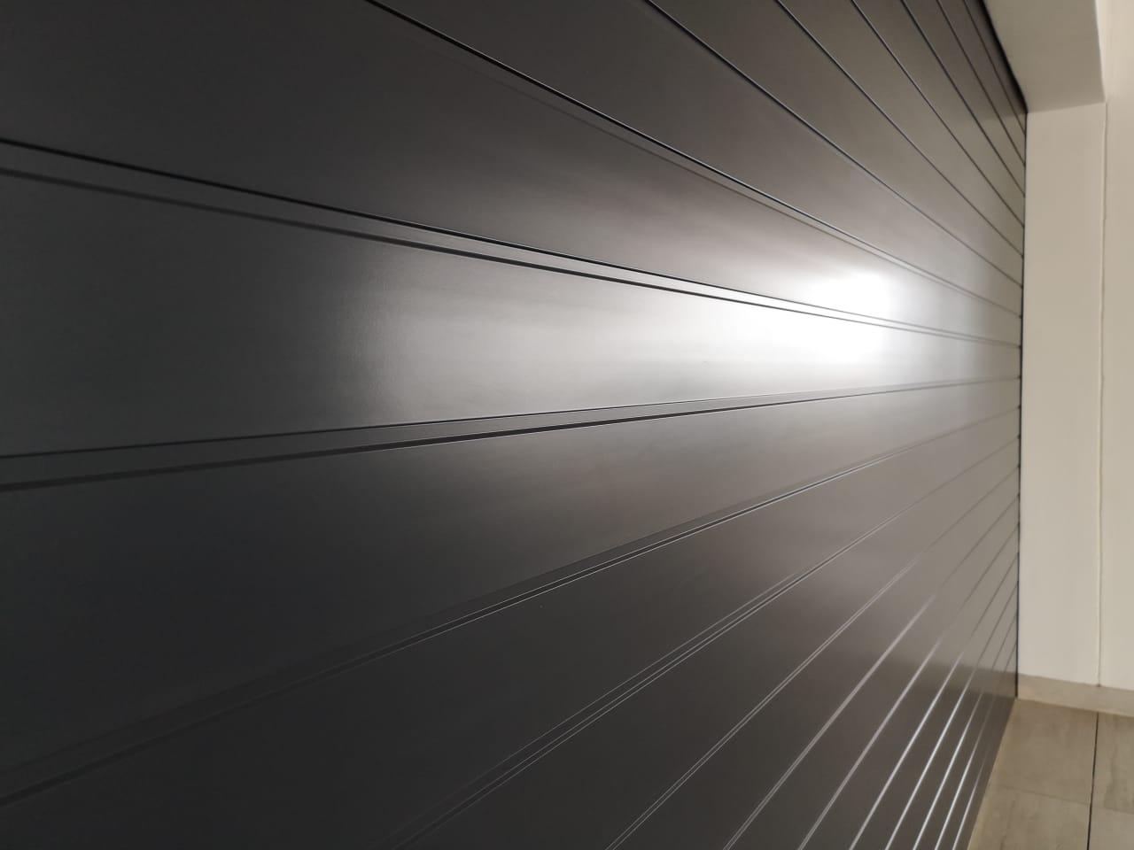Horizontal Slatted Aluminium