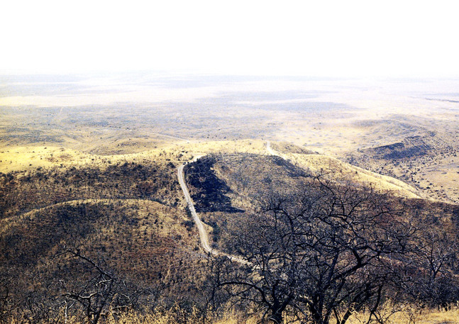104_14 'Midway' road to Salalah plains.j