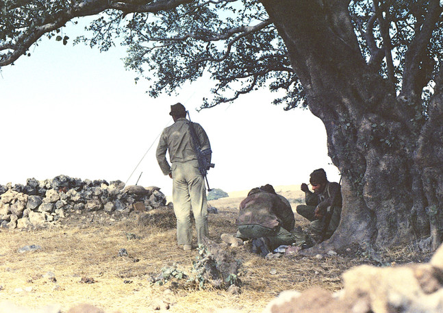 092_2 Iranians near Zeak Feb '74.jpg