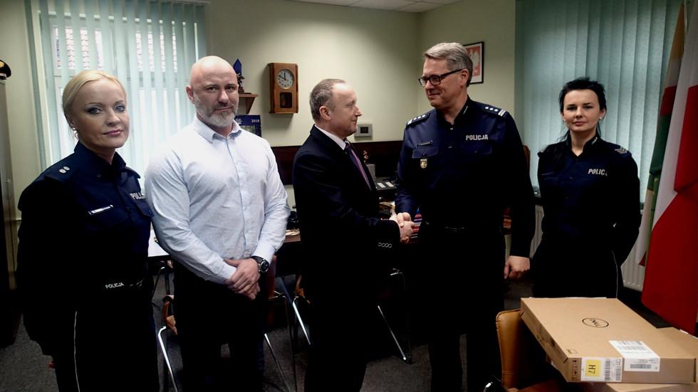 Ufundowanie sprzętu komputerowego dla Komendy Powiatowej Policji weWschowie