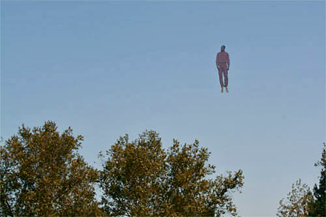 Real Flying Humanoid, 500x333, enhanced
