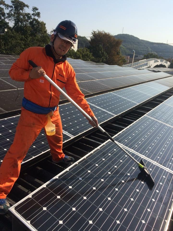 姫路市 食品工場屋根上 水切り作業