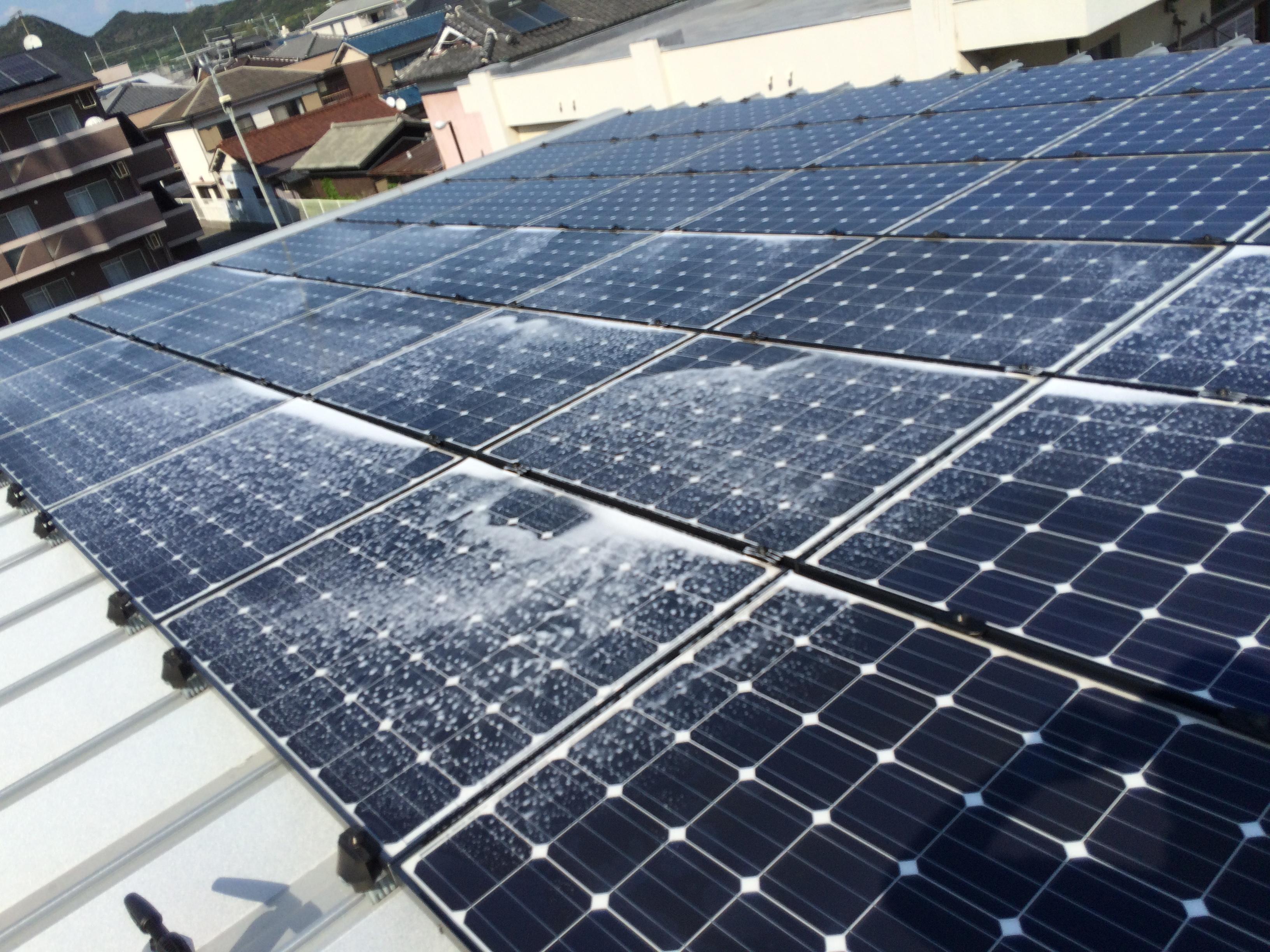 洗剤洗い 姫路市 事業所屋根上 設置勾配0度