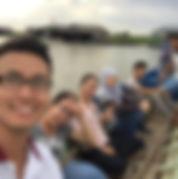 カンボジアの大学チームと一緒に