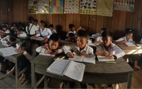 カンボジアで学校が再開しました