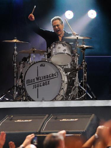 Max+Weinberg+Photo+on+Drums.jpg