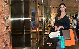 Private-Luxury-Shopping-Tour-CARLA-Perso