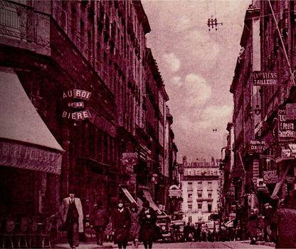 Nantes, 1889. Depuis 50 ans, Thomas Dobrée, deuxième du nom, collectionne œuvres d'arts et objets précieux dans son palais. La nuit dernière, il s'est fait cambrioler. Etonnamment, le voleur n'est reparti qu'avec une seule pièce de sa collection ... Résolvez des énigmes pour venir à bout de cette enquête à Nantes.