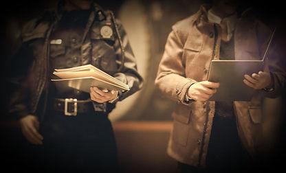 M. Descamps a été retrouvé assassiné dans un appartement de la place Rihour. Chose étrange, le corps a été en partie démembré. Vous,le célèbre inspecteur Roussel, êtes chargé de l'affaire. Vous devez résoudre cette enquête. Serez-vous à la hauteur ? Résolvez les énigmes pour venir à bout de cette enquête à Lille.  Cette activité nécessite un smartphone.