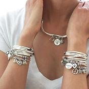 charm-bracelets-charm-trios-wrap-bracele
