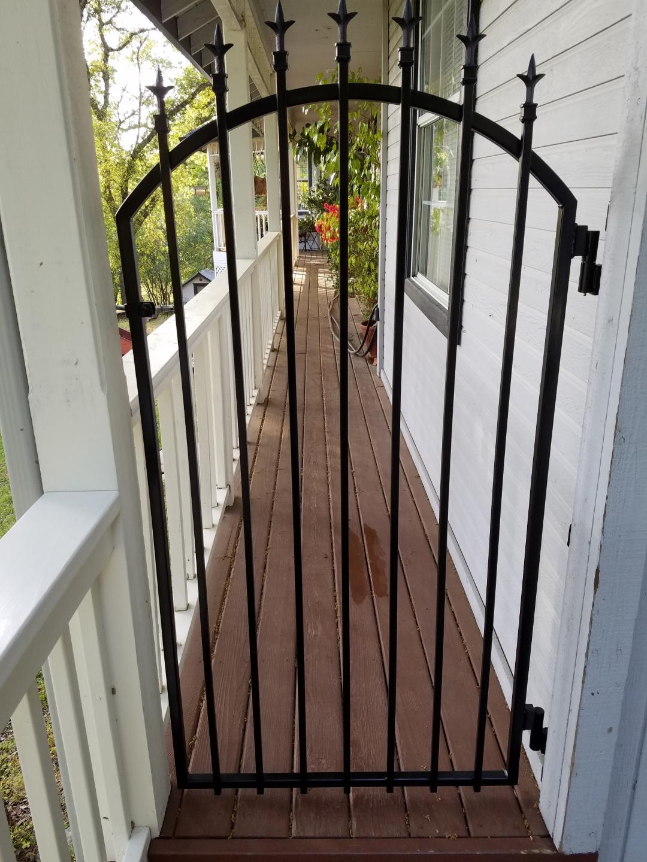 Moonits gate