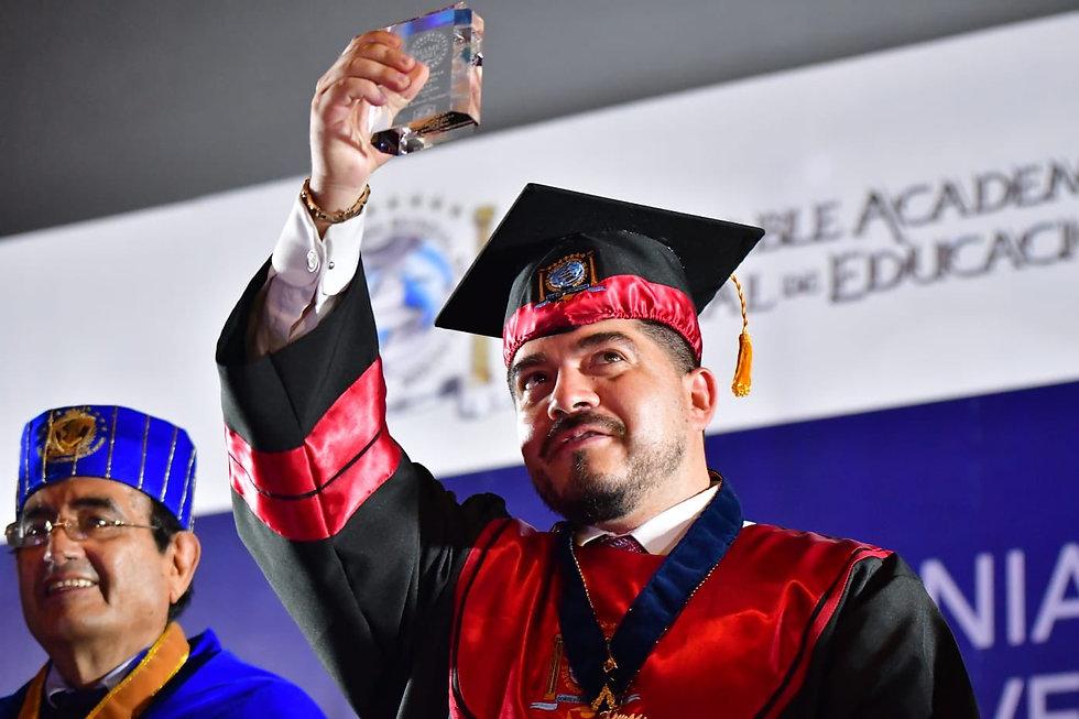 dr honoris causa zenyazen escobar garcia