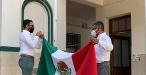 Escuela Morelos Veracruz iza Bandera en conmemoración de Niños Héroes
