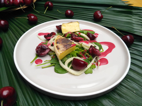 Cherry Brie Cheese and Arugula Salad